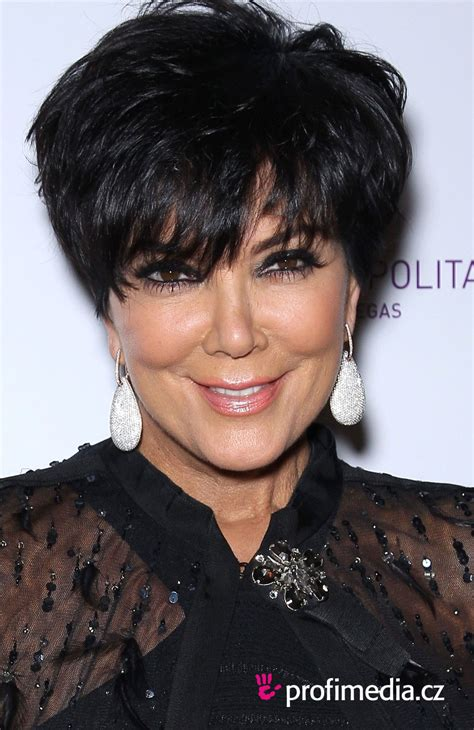 pics of chris jenners different hairstyles kris jenner hair