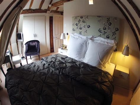 converting an attic into a bedroom bedroom awesome slanted ceiling bedroom ideas attic