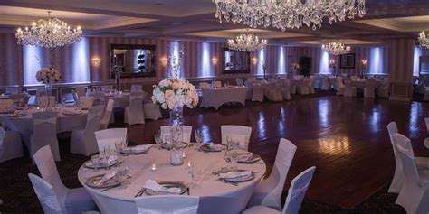 weddings by doubletree by hilton hotel tinton falls sterling ballroom at the doubletree by hilton tinton falls