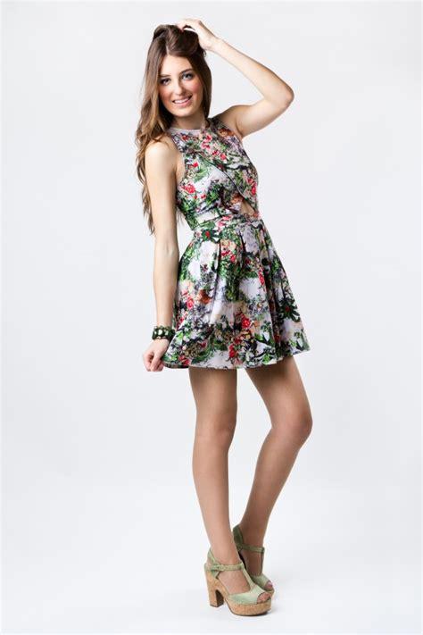 Dress Model Batik Stylish White New Impor fashion wearing a pretty dress photo free