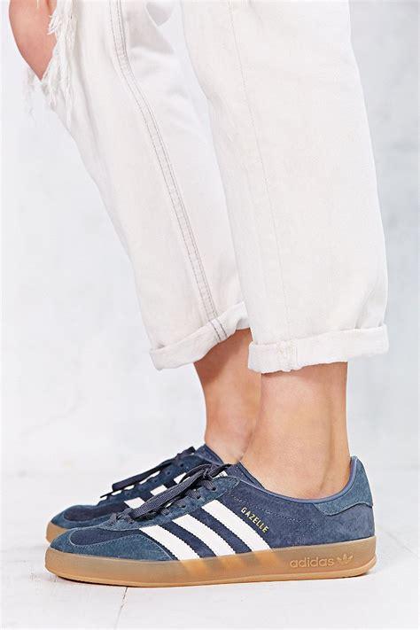 Promo Sepatu Adidas Gazele Suede Sol Gum lyst adidas originals gazelle gum sole indoor sneaker in gray