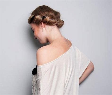 diy grecian hairstyles diy easy greek hairstyle with a bandage 1 styleoholic