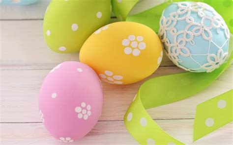 pretty easter eggs pretty easter egg wallpaper 365 2880 x 1800