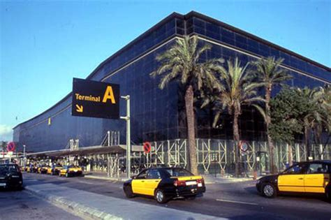 barcelona el prat vueling expands flights at barcelona el prat like living