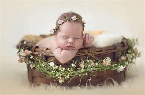 wallpaper cute baby sleeping wreath hd cute