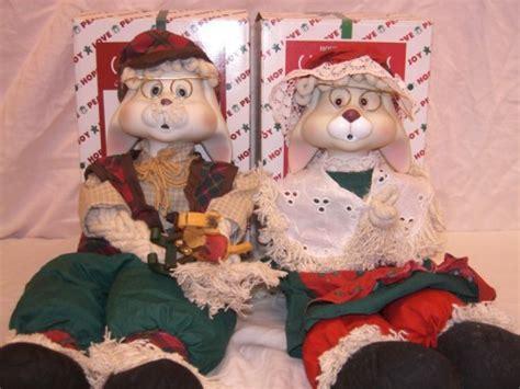HOUSE of LLOYD CHRISTMAS AROUND THE WORLD SET GRANNIE FLO BUNNY GRANDPA ornaments toys