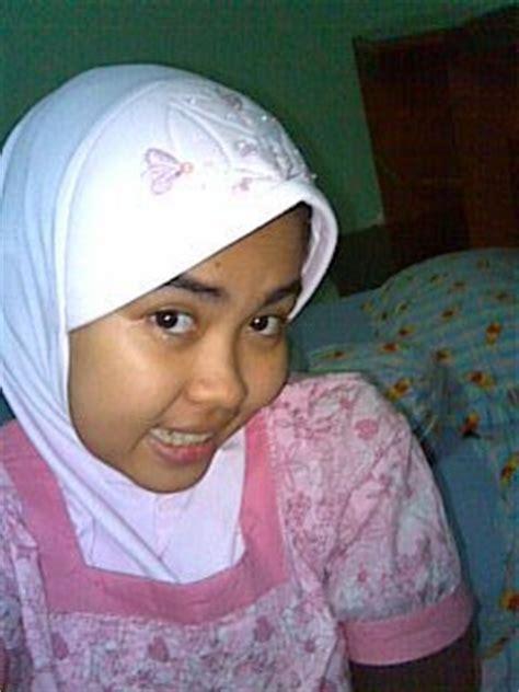 gambar counter kerudung jilbab cantik cute teen with hijab 01