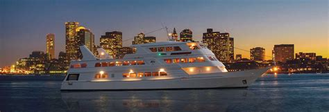 boston nye parties 2018 new year s eve cruise hot ticket - Boat Rental Miami New Years Eve