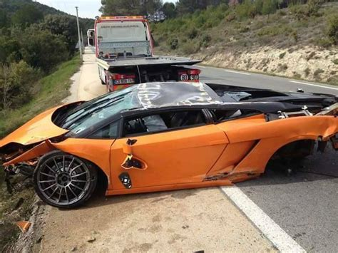 lamborghini crash lamborghini gallardo bicolore crashes heavily in