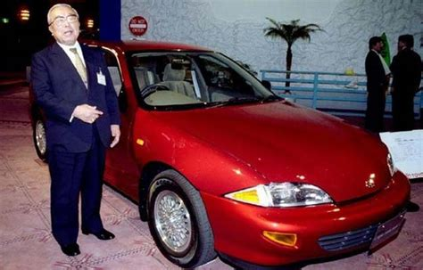 Eiji Toyota Eiji Toyoda Who Helped Steer Toyotas Rise Dies At 100