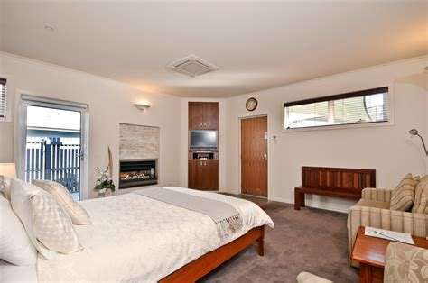 bed and breakfast search captains at the bay bed breakfast hotelroomsearch net