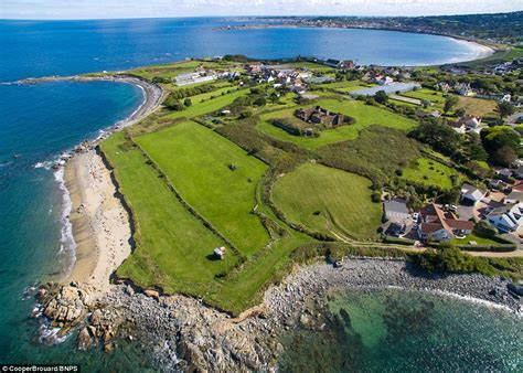 fort richmond built   british  guernsey   sale  million daily mail