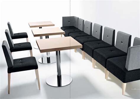 stock tavoli e sedie stock sedie usate