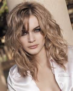 hairstyles slightly wavy hair natural wavy hairstyle and hair worked with the fingers