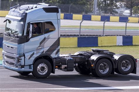 Volvo Truck Images Hd Volvo Truck Pictures Free To