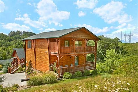 3 bedroom cabins in pigeon forge tn 3 bedroom pet friendly cabin in pigeon forge near dollywood