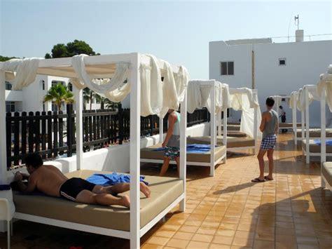balinesische betten bali betten hotelbild hotel prinsotel alba