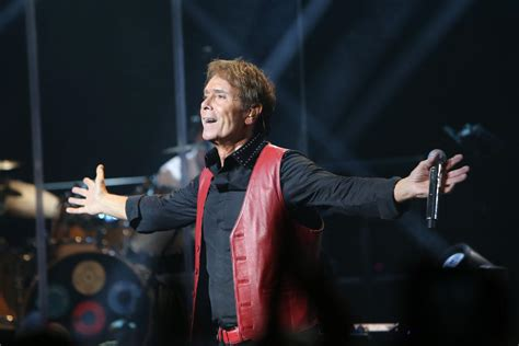 middle eastern house music muscat makes way for music legend sir cliff richard oman travel intel travel
