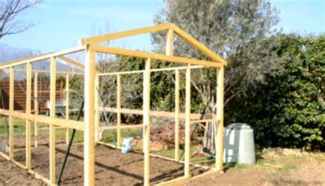 Charmant Serre De Jardin Polycarbonate Pas Cher #1: Serre-jardin-pas-cher-economique-diys-tutoriel.png