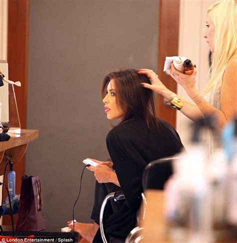 kim bellamy hair stylist kim kardashian emerges from hair salon after five hours