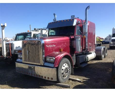 Freightliner Sleeper For Sale by 1999 Freightliner Fld12084t Classic Sleeper Truck For Sale Spencer Ia Mylittlesalesman