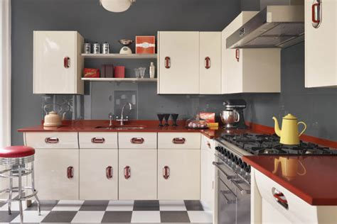 Retro Kitchen Design Maximizing Cabinet Color To Create Retro Style Kitchen Designs Mykitcheninterior
