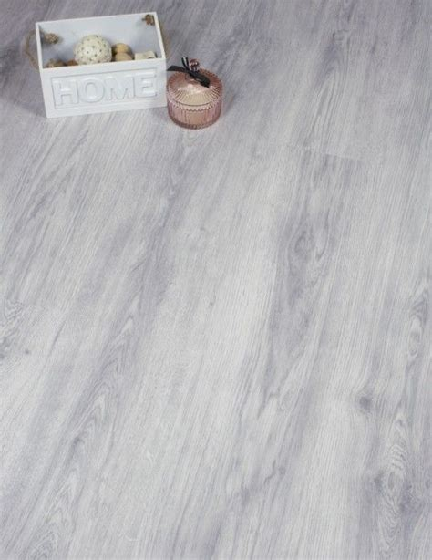 Laminate Flooring Grey 25 Best Ideas About Grey Laminate Flooring On Grey Flooring Grey Laminate And
