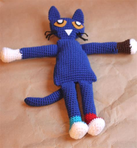 pet the repeat crafter me pete the cat crochet doll