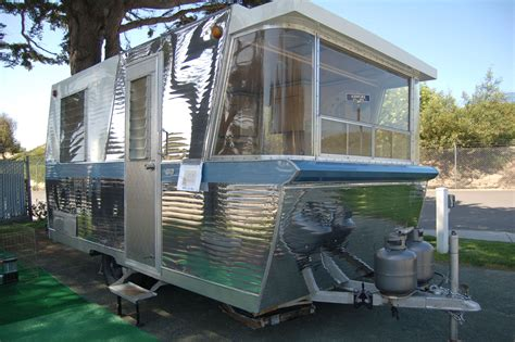 vintage holiday house trailer pictures and history from
