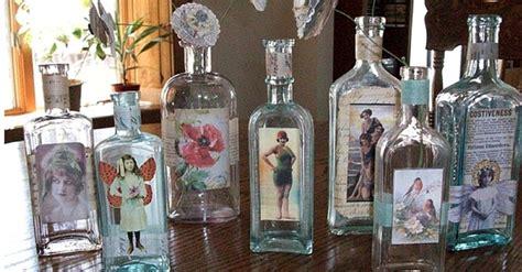 como decorar botellas de vidrio estilo vintage botellas de vidrio un objeto decorativo vintage juntos