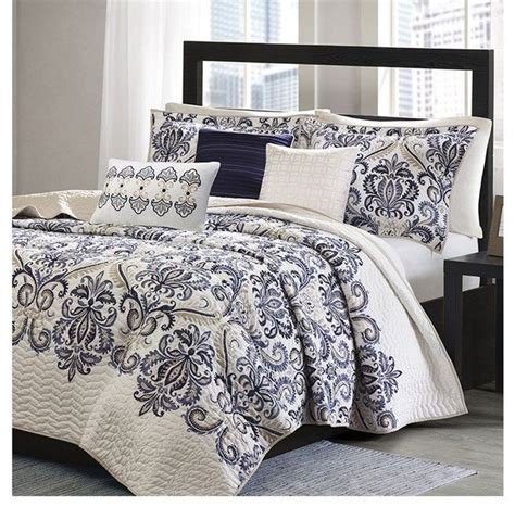 navy and white coverlet 17 best ideas about navy blue comforter on pinterest tan