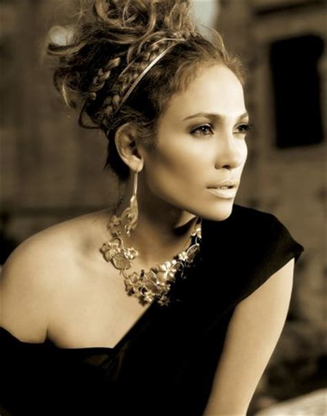 jlo braid inn middle of hair jennifer lopez athens she s one of my favorite actresses
