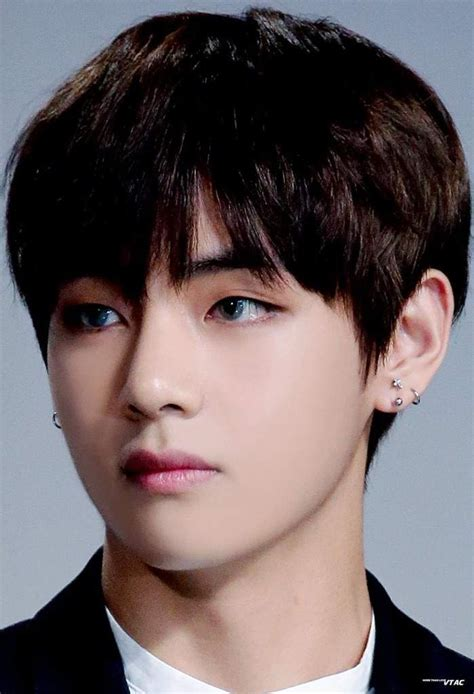 kim taehyung latest photos 김태형 kim taehyung hd photos army s amino