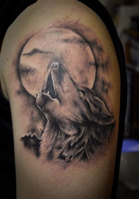 wolf moon tattoo beautiful moon tattoos ideas wolf moon and moon