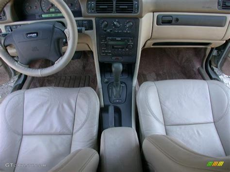Beige Interior 2000 Volvo C70 LT Convertible Photo
