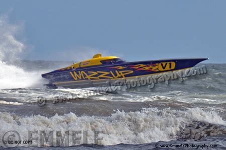 fast boat orange beach sports and action photographer in seattle washington