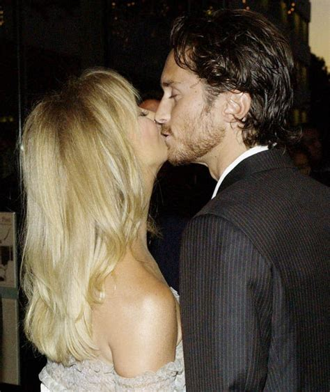 oliver hudson life goldie hawn with son oliver hudson goldie hawn in