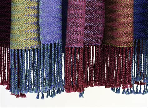 how to finish knitting a scarf how to finish a handwoven scarf with a twisted fringe