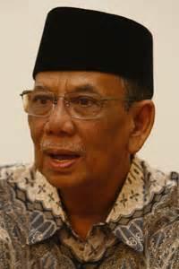 profil hasyim muzadi merdekacom