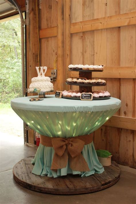 Best 25  Rustic tablecloths ideas on Pinterest   Burlap