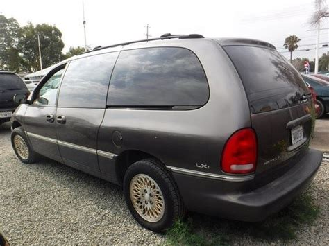 97 Chrysler Town And Country by Service Manual 97 Chrysler Town And Country 2009