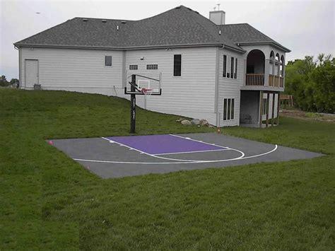Diy Backyard Basketball Court by Back Yard Basketball Court For Da Crib