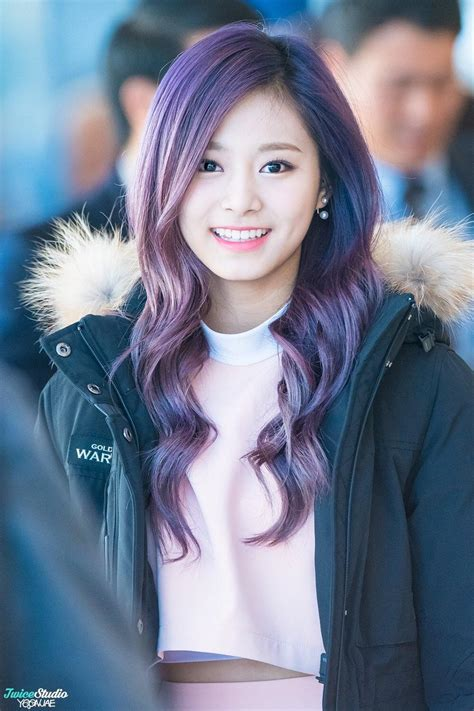 purple hair happy or crappy randomness it s best tzuyu with purple hair twice