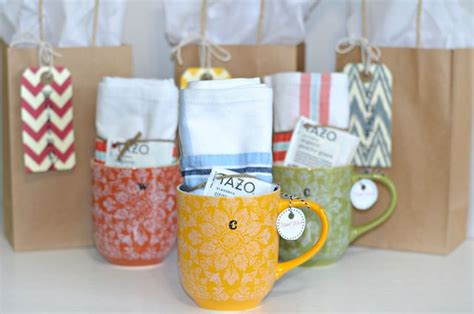 Baby Shower Hostess Gifts Ideas by 25 Best Ideas About Shower Hostess Gifts On