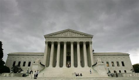 corte suprema usa giudice della corte suprema usa apre allo stop alla pena