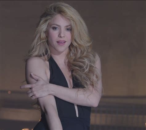 lipstick wore by shakira on commercial what kind of makeup does shakira wear shakira drops try