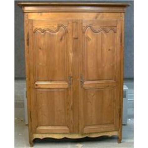 une armoire une armoire qu 233 b 233 coise en pin du 19e si 232 cle de style louis