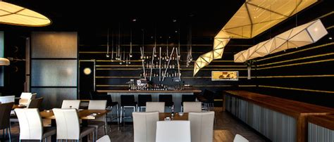 Origami Restaurant - asian restaurant with origami lights fubiz media