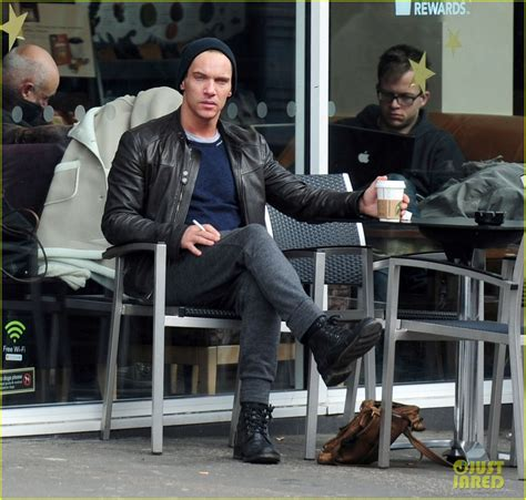 Jonathan Rhys Meyers In Rehab by Sized Photo Of Jonathan Rhys Meyers Post Rehab
