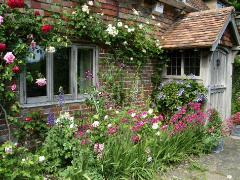 Small Cottage Garden Ideas Small Cottage Garden Ideas Mekobrecom And Trends For Design Savwi